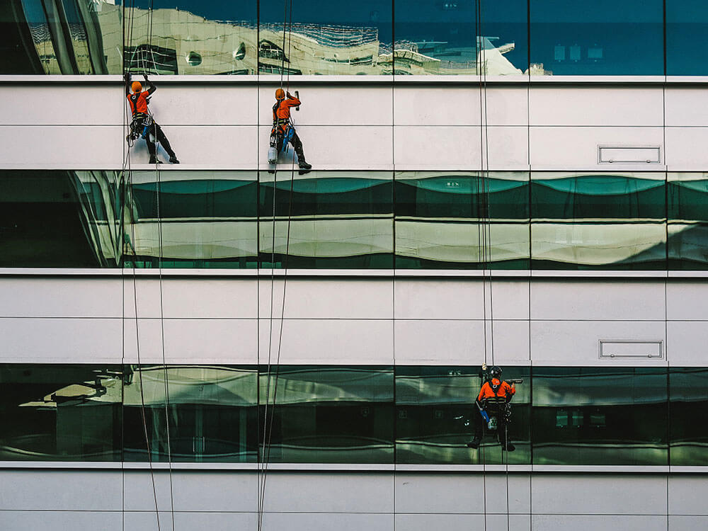 How-to-spot-best-window-cleaning-company-for-your-business